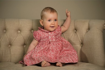 london-baby-portraits-studio-park-natural-classic-photoshoot-lily-sawyer-photo.jpg