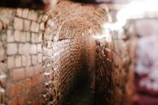 london-family-photographer-sawyer-sunday-exeter-underground-passages-devon-lily-sawyer-photo.jpg