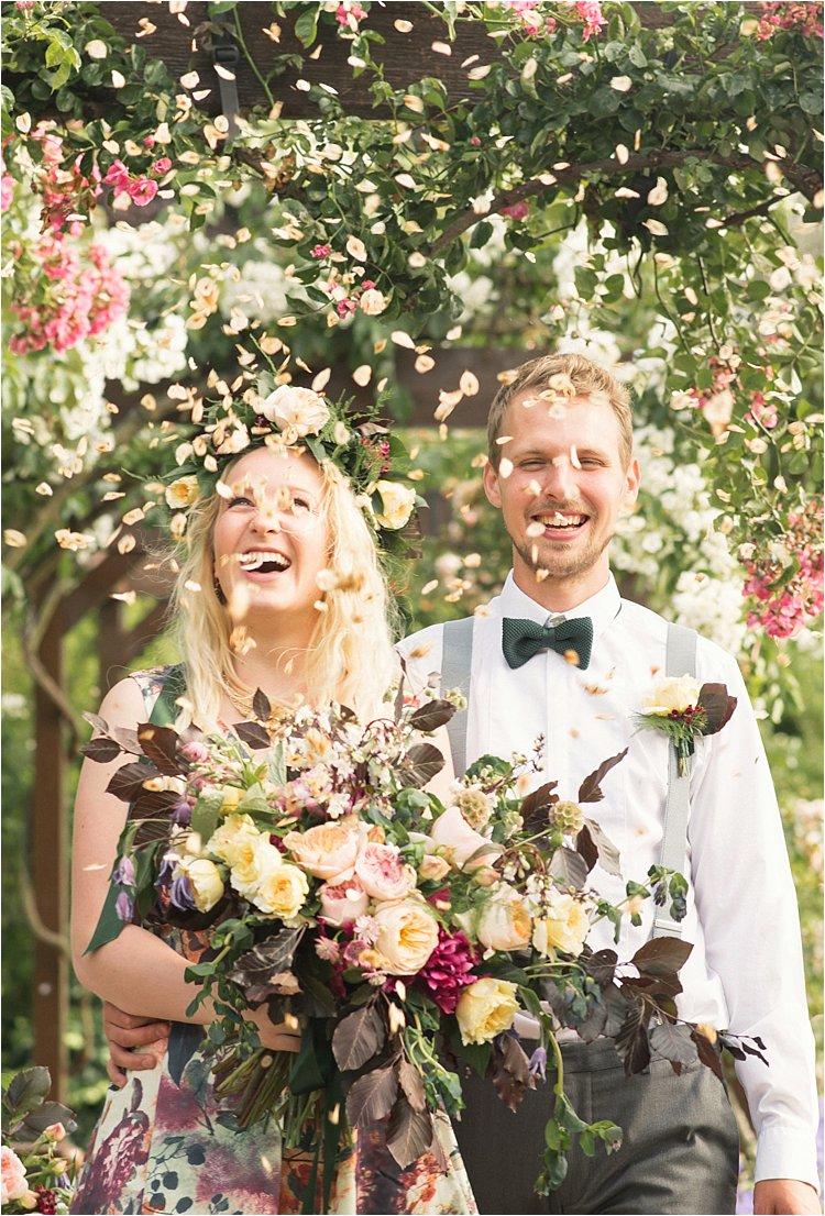 modern-vintage-floral-wedding-gold-marsala-pink-london-lily-sawyer-photo_0042