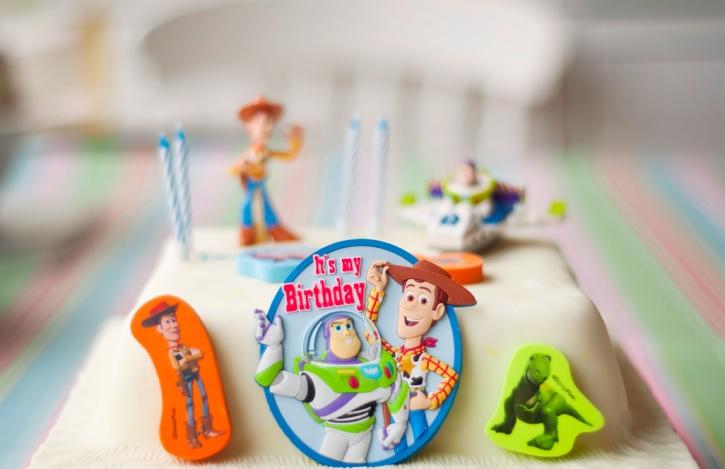 toy-story-cake-web.jpg