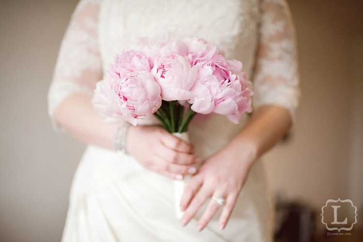 peonies wedding pink