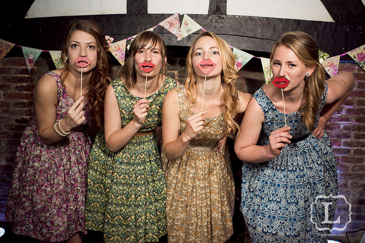 Photobooth bridesmaids