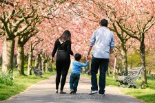 london-family-photoshoot-pink-cherry-blossoms-greenwich