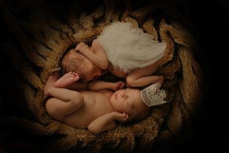 newborn-twins-photoshoot-greenwich