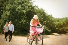 london-barnes-family-photoshoot-summer-lily-sawyer-photo