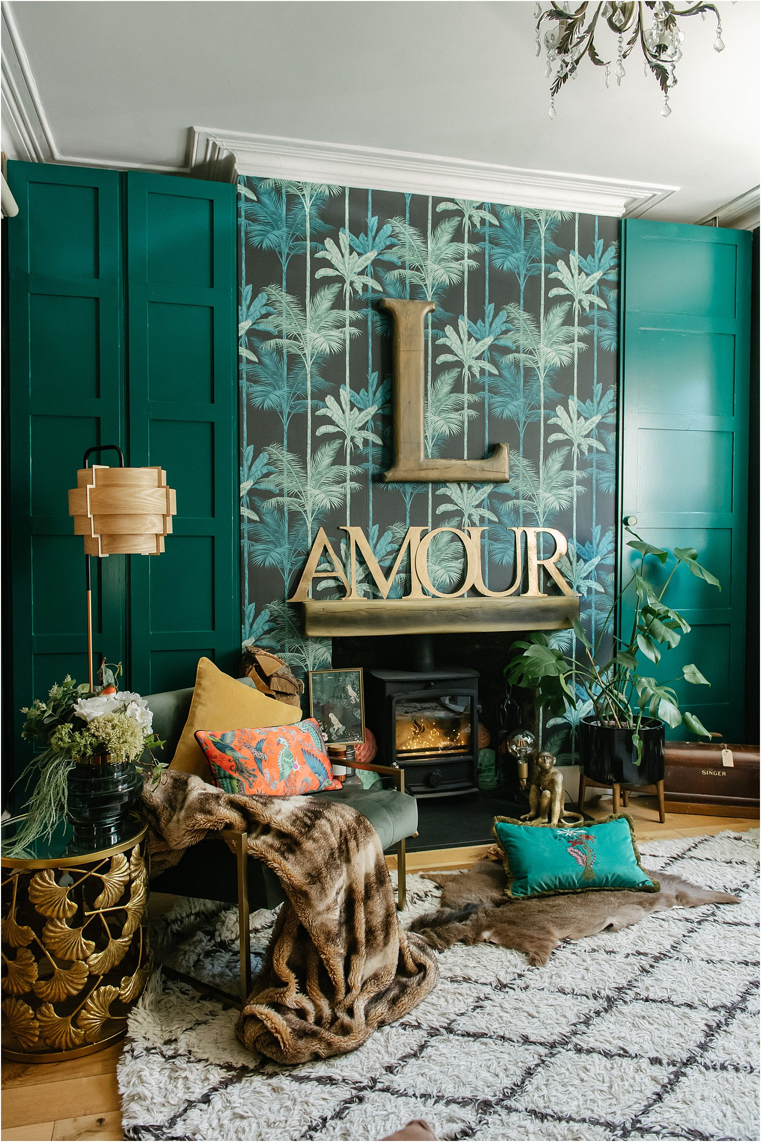 3-reasons-to-try-wallpaper-dark-green-room-maximalist-eclectic-lily-sawyer-layered-home-interiors