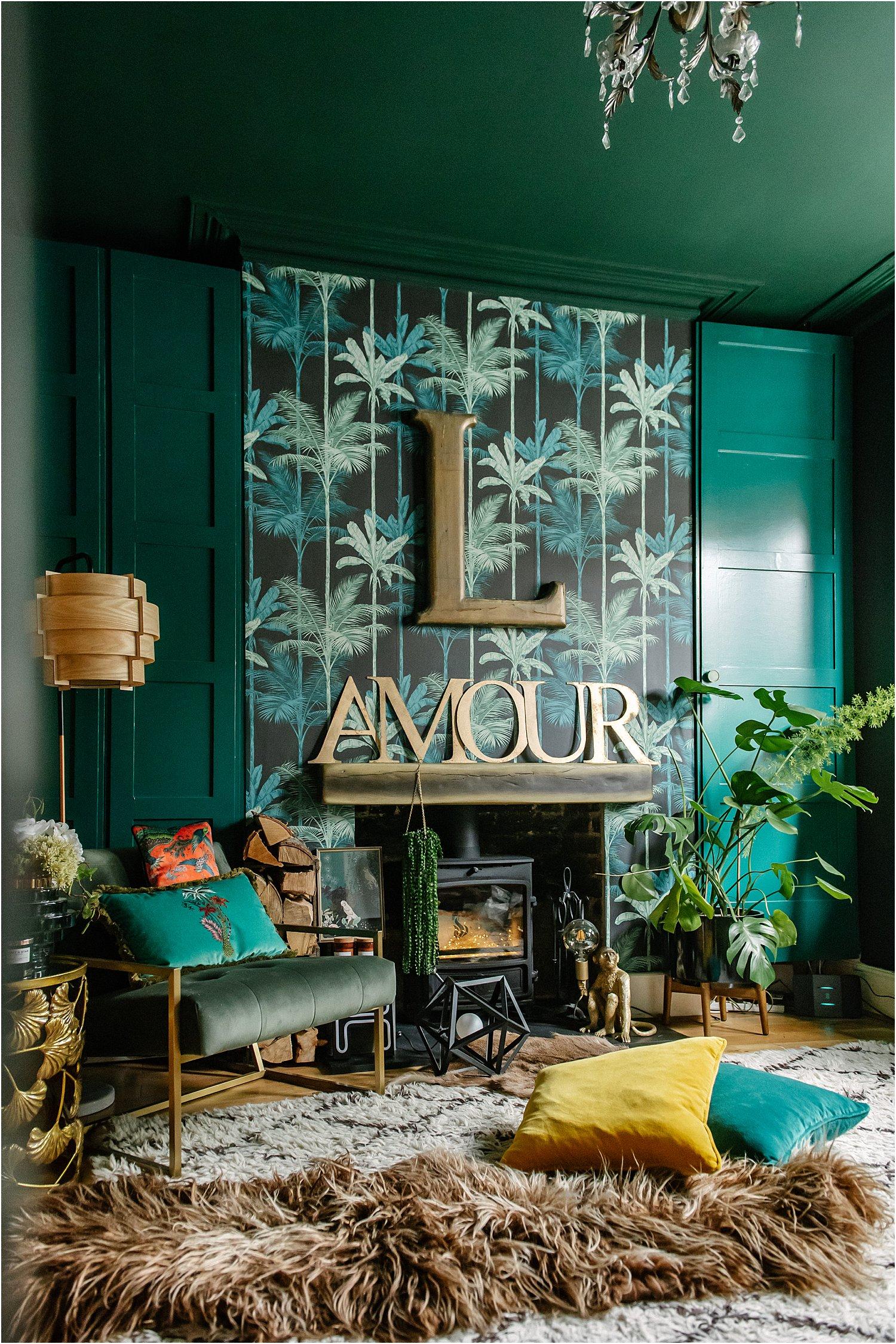 dark-floral-jungle-interiors-graham-brown-wallpaper-paint